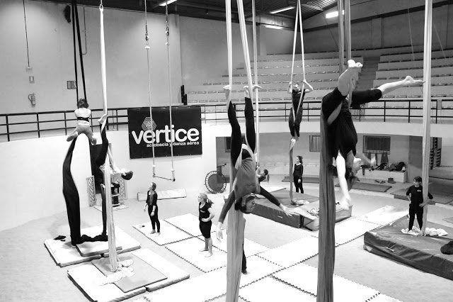 La Escuela de Acrobacia y Danza Aérea Vértice celebra este sábado una jornada de puertas abiertas