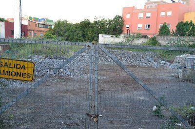 El Ayuntamiento de La Laguna habilita un solar en la Avda. La Candelaria para aparcamientos
