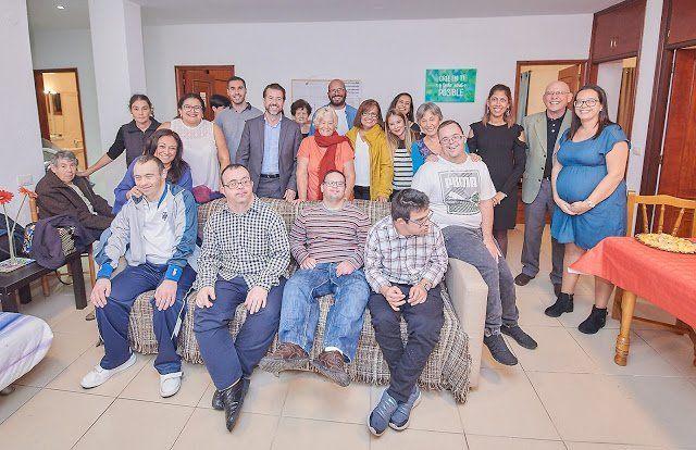El Cabildo y Trisómicos 21 inauguran el primer piso en Canarias para personas con Síndrome de Down