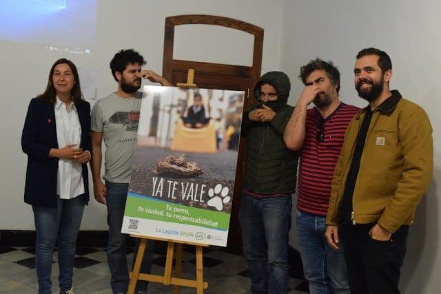 'La Laguna Limpia' inicia una campaña de concienciación para la recogida de excrementos