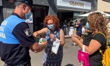 La Policía Local de La Laguna realiza una campaña de concienciación sobre el uso de mascarillas