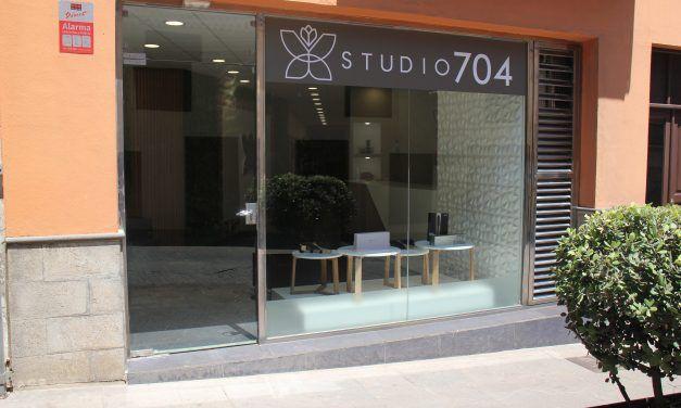 Studio 704 presenta su nuevo concepto de belleza en la calle Herradores