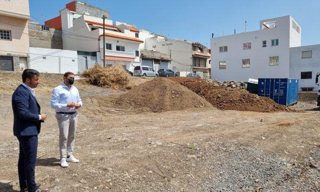 El Ayuntamiento inicia la construcción de una plaza de más de 1.000 metros cuadrados en La Piterita